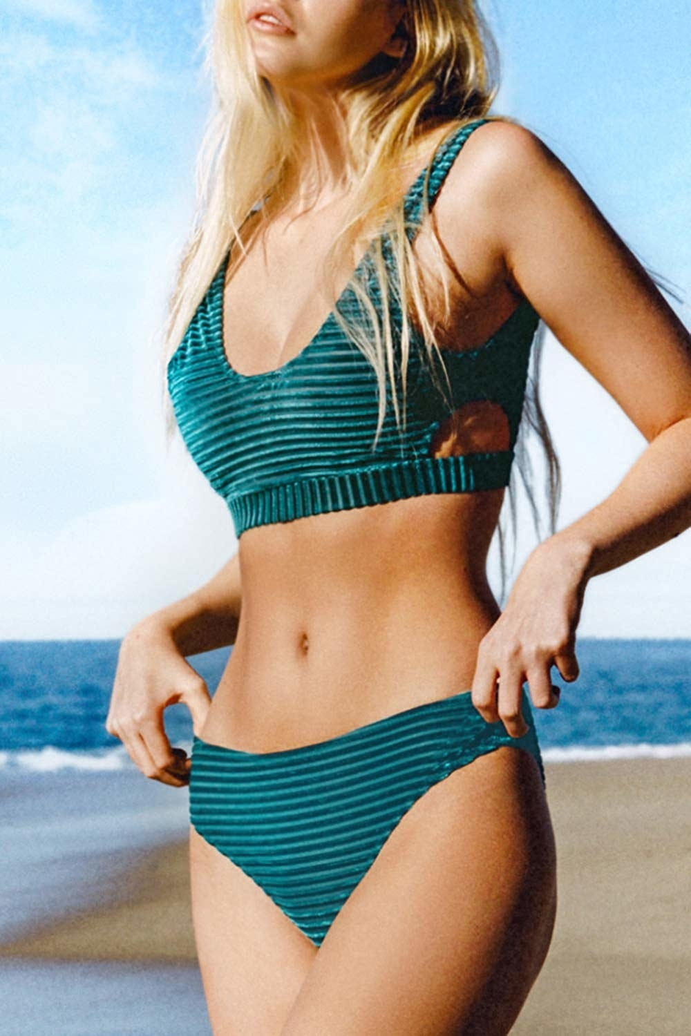swimsuit with ribbed fabric