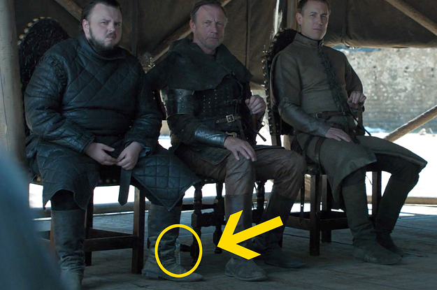 buzzfeed.com - crystalro - A Water Bottle Accidentally Showed Up In The 'Game Of Thrones' Finale Because This Is Where We Are Now
