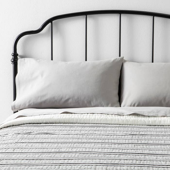 A Linen Blend Sheet Set To Give You All The Benefits Of Cool Crisp And Breathable While Being Less Wrinkly Expensive Than Pure