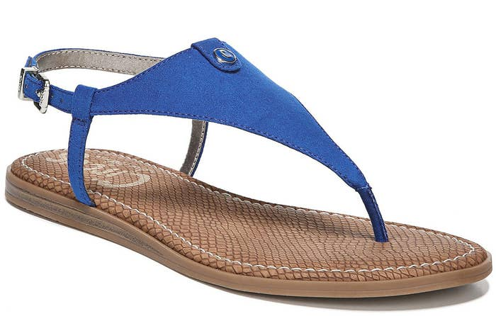 Price: $20.25 ($24.75 off the list price, available in sizes 5.5-9.5 and seven colors)