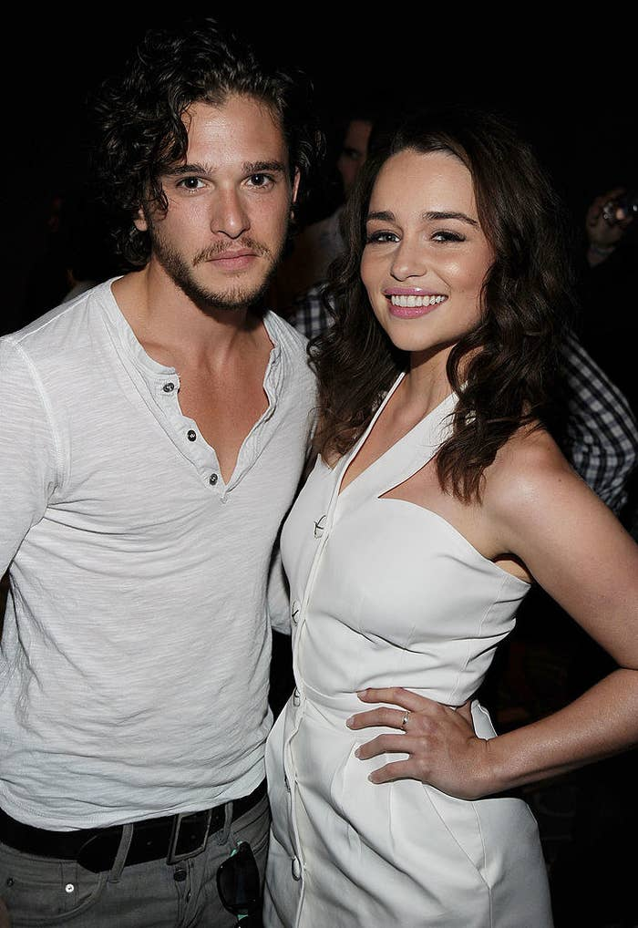 """23 Throwback Cast Photos From """"Game Of Thrones"""" That You Need To See"""