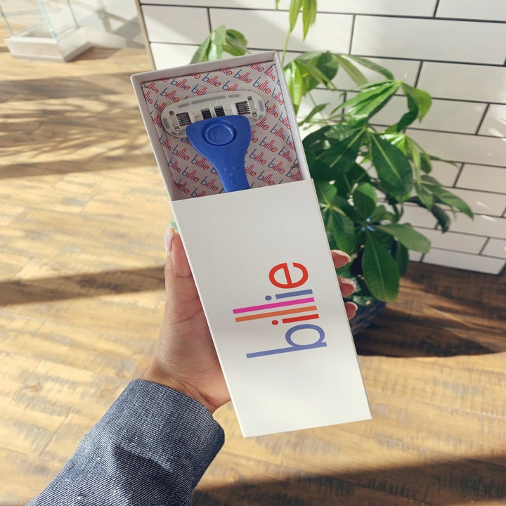 BuzzFeed editor Kayla Suazo's photo of the blue Billie razor in the box