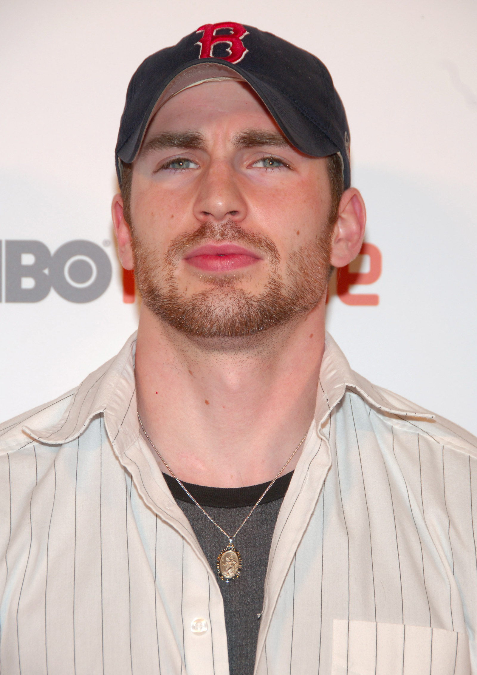 Chris Evans Roasted His 2000s Style, So We Did A Deep Dive ...