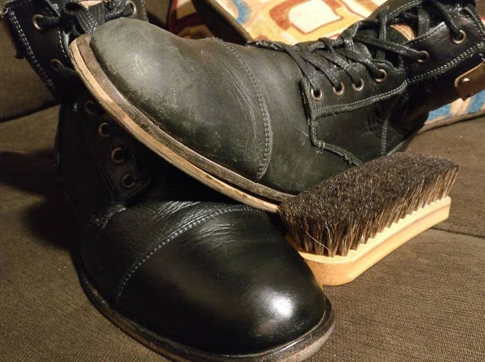 reviewer photo showing a pair of shoes, one polished with the kit and the other not