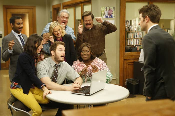 """The """"Parks And Rec"""" Cast Talk To Each Other Every Other Day And That News Is Better Than Waffles"""