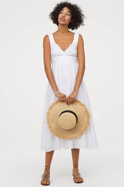 bc3ae9378ec This Swedish store has basics, eco-friendly lines, and does regular collabs  with top designers to bring you the latest fashions.