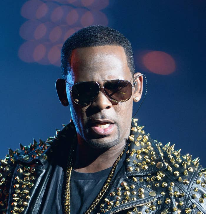 """How The Story Of R. Kelly's """"Sex Cult"""" Finally Went Public — And Quickly Exploded"""