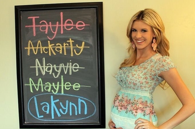 "The Iconic ""Baby Name Meme"" Mom Is Winking At Her Haters With An All-New Name Reveal"