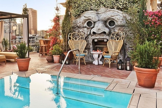 12 US Hotels You'll Want To Stay In Because Of The Outdoor Pool