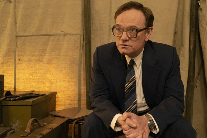 """""""Chernobyl"""" Star Jared Harris Urged Instagrammers Who Visit The Disaster Site To Be Careful"""