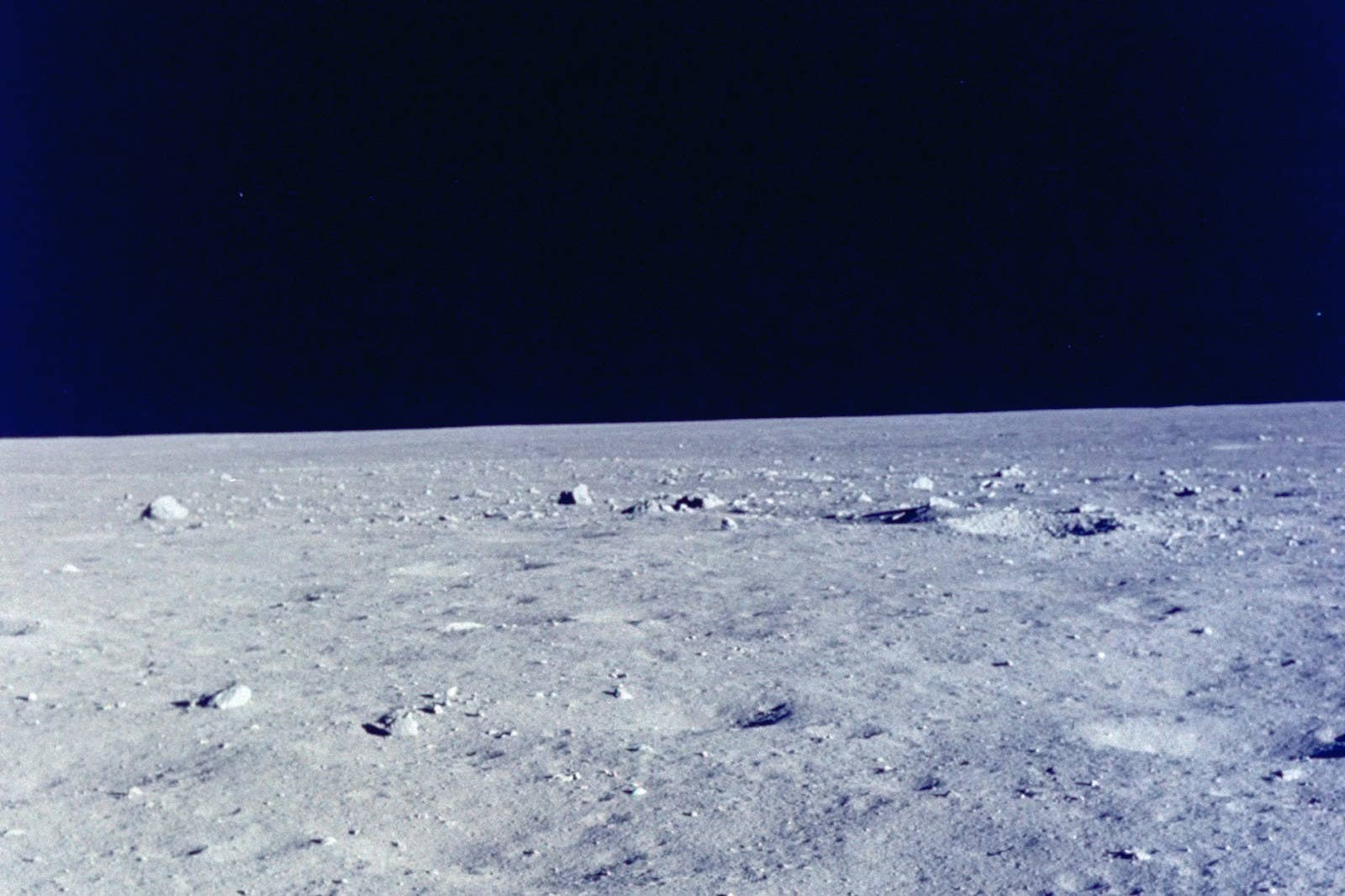 25 Photographs to remember the first time man arrived on the Moon 18