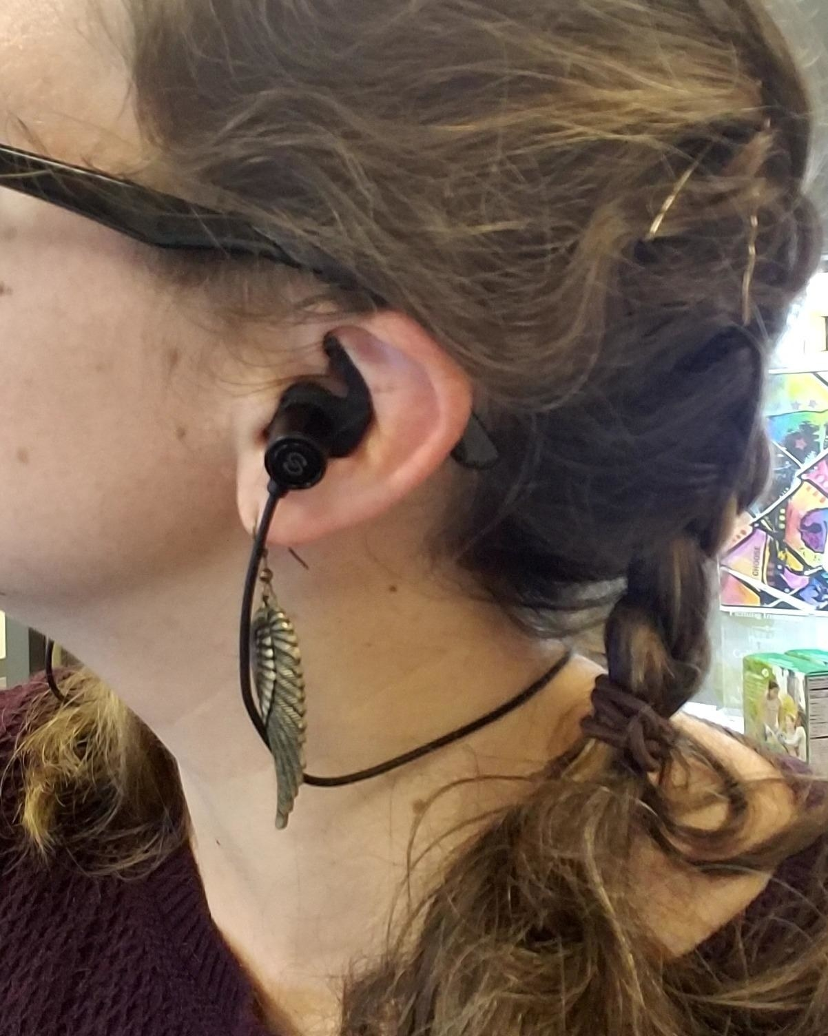 These Under-$30 Bluetooth Earbuds Deliver The Best Sound