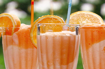 13 Boozy Creamsicle Cocktails That Aren't Totally Stupid