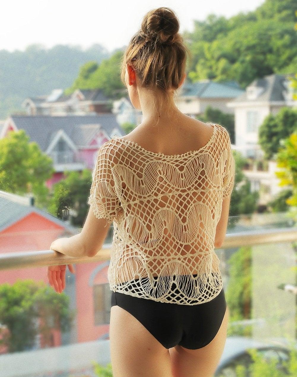 Model wears the seamless underwear