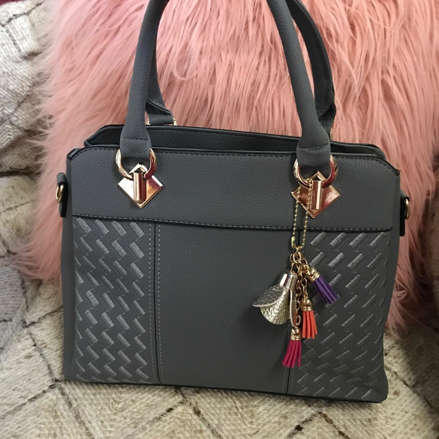 cdad479f694f8 30 Handbags That Look More Expensive Than They Are