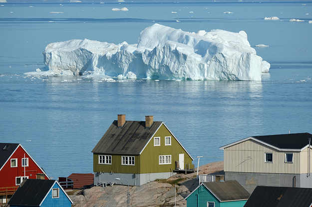 """These Stunning Photos Show A """"Major Melting Event"""" Hitting Greenland's Ice Sheet"""