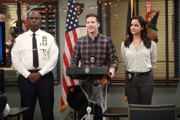 "23 ""Brooklyn Nine-Nine"" Behind-The-Scenes Cast Facts That Are Simply The Best"
