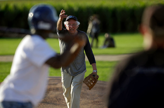 Bernie Sanders Wanted To Play Softball With The Press. But His Campaign Got In The Way.