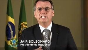 Em meio à crise diplomática, Bolsonaro promete combate a queimadas na Amazônia