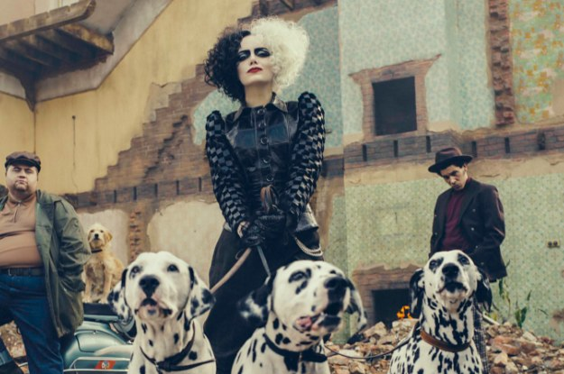 Here's Your First Look At Emma Stone As A Punk-Rock Cruella De Vil
