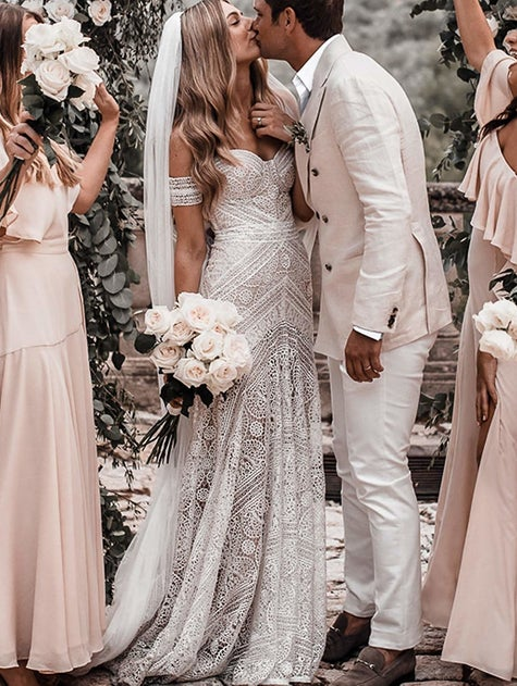 التقطير مرضي الحد الأدنى different wedding dresses