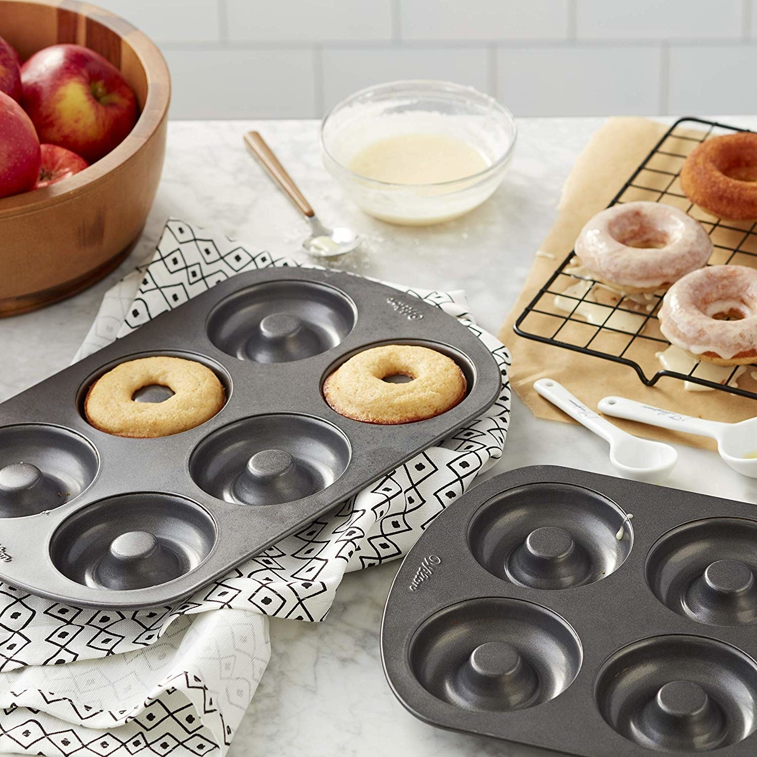 pan with six doughnut shaped molds