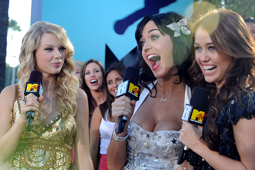 Taylor, Katy, and Miley at an MTV event