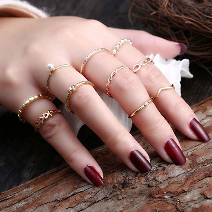 the rings on a hand