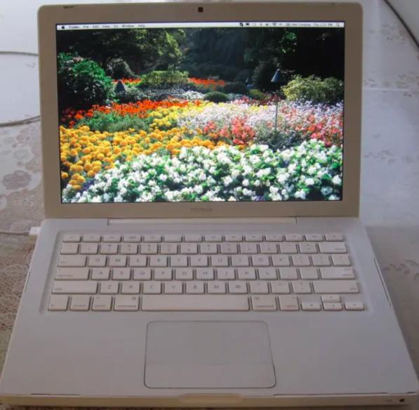 a white macbook