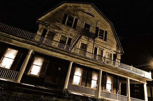 22 Creepy Hotels That Probably Have Ghosts