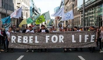 Estes ativistas hardcore estão dispostos a paralisar a Europa para combater as mudanças climáticas