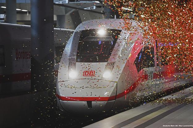 Die Deutsche Bahn ist so hoch verschuldet wie nie – und besitzt trotzdem Krankenwägen und Autowerkstätten im Ausland