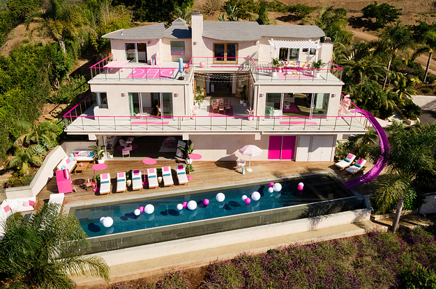 You Can Stay At A Real Life Barbie Dreamhouse In Malibu And Everything About It Is Iconic