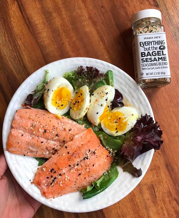 A reviewer's photo of the seasoning on salmon and eggs