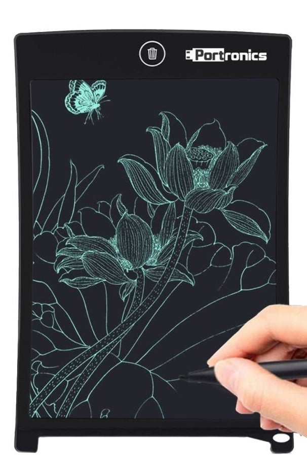 A person drawing on the tablet.