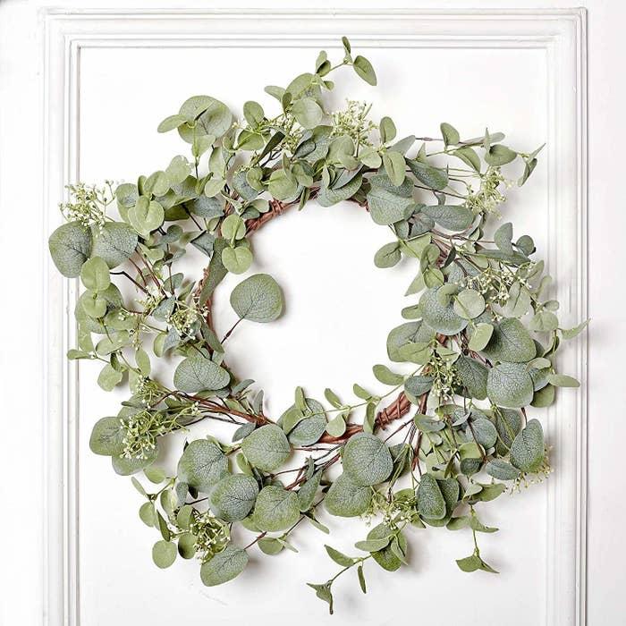 Round eucalyptus wreath
