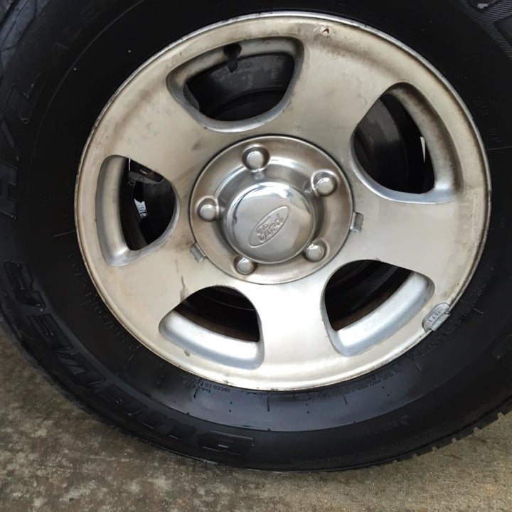Same wheel looking clean and silver again