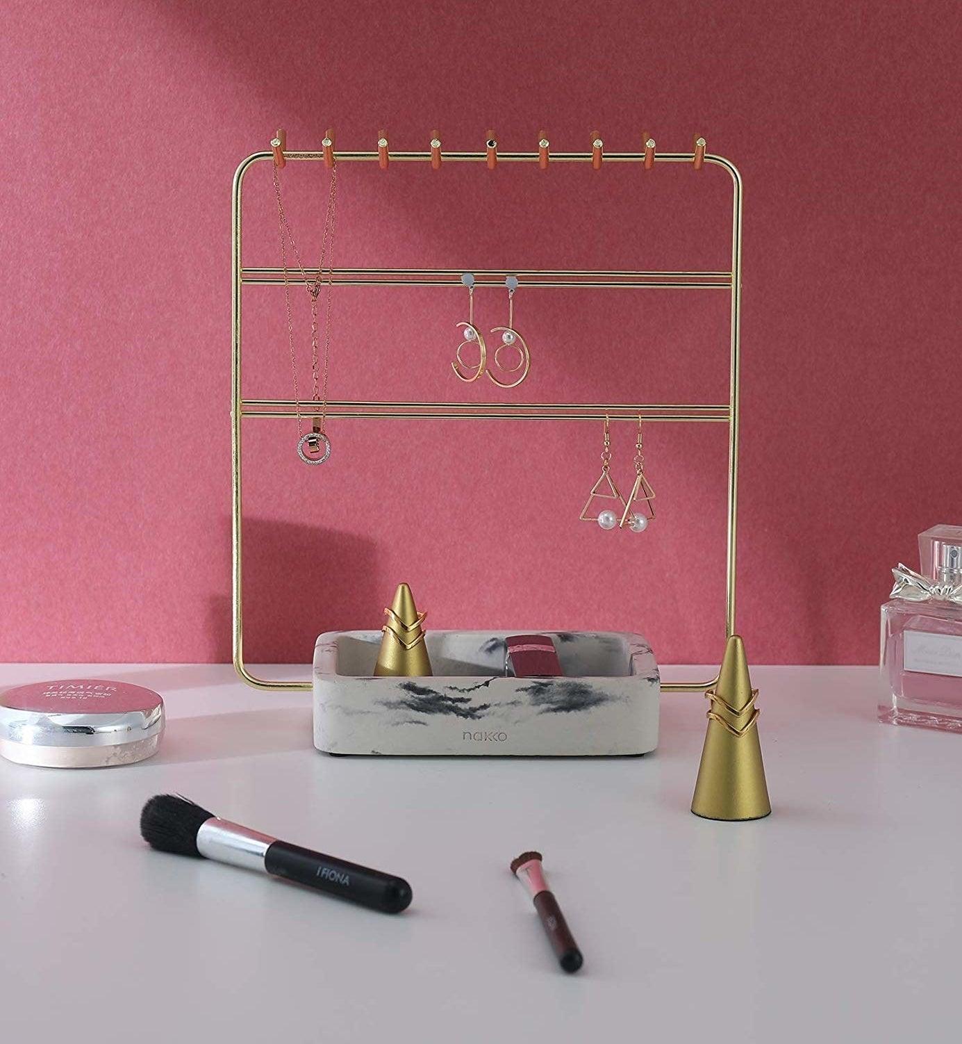 The Nakko Modern Jewelry Organizer in gold
