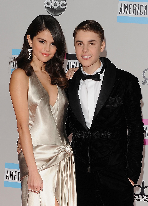 Wie is Justin Bieber dating op het moment Dating Zuid-Afrika online