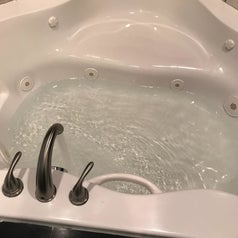 Same reviewer's hot tub that's now totally clean
