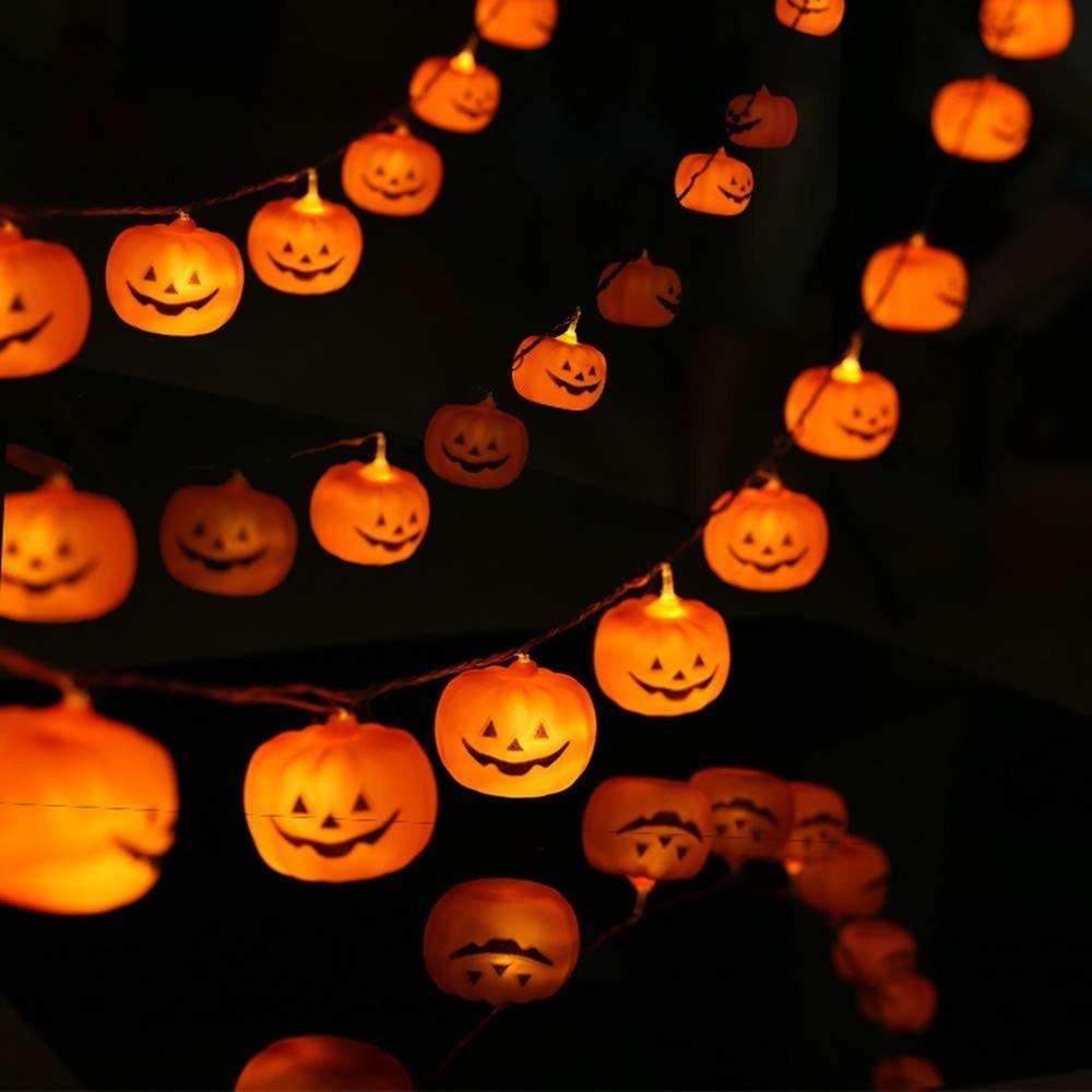 The jack-o-lantern string lights