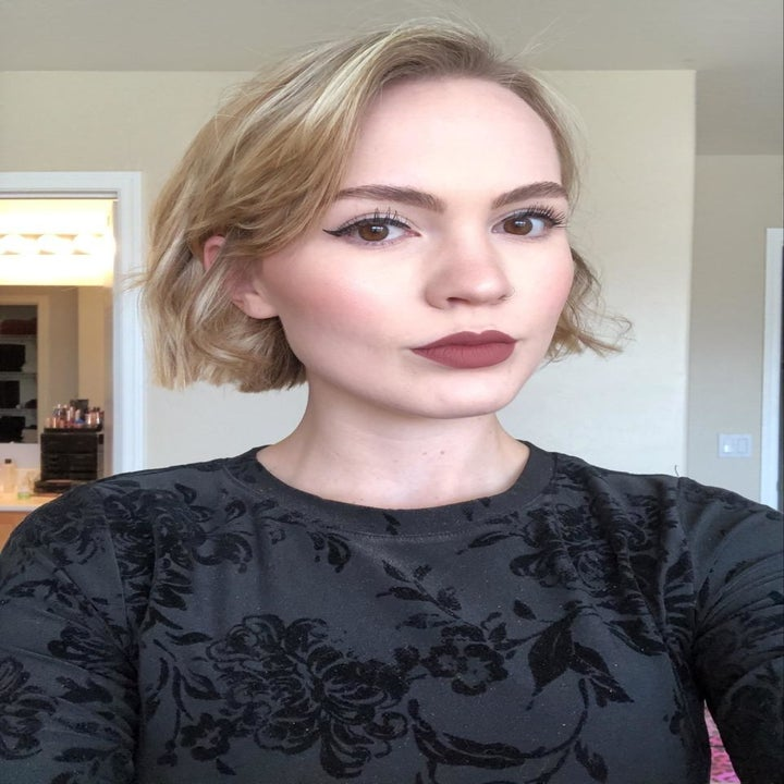 A reviewer with winged liner