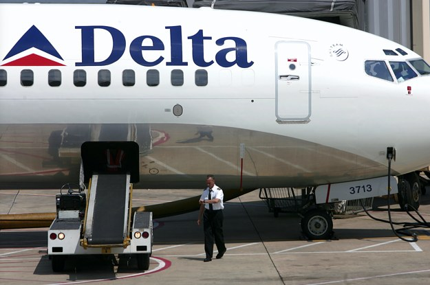 A Woman Got On A Delta Flight Without An ID Or A Boarding Pass And Police Don't Know How
