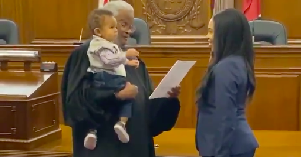 A Judge Adorably Held A Lawyer's Baby While He Swore Her In To The State Bar