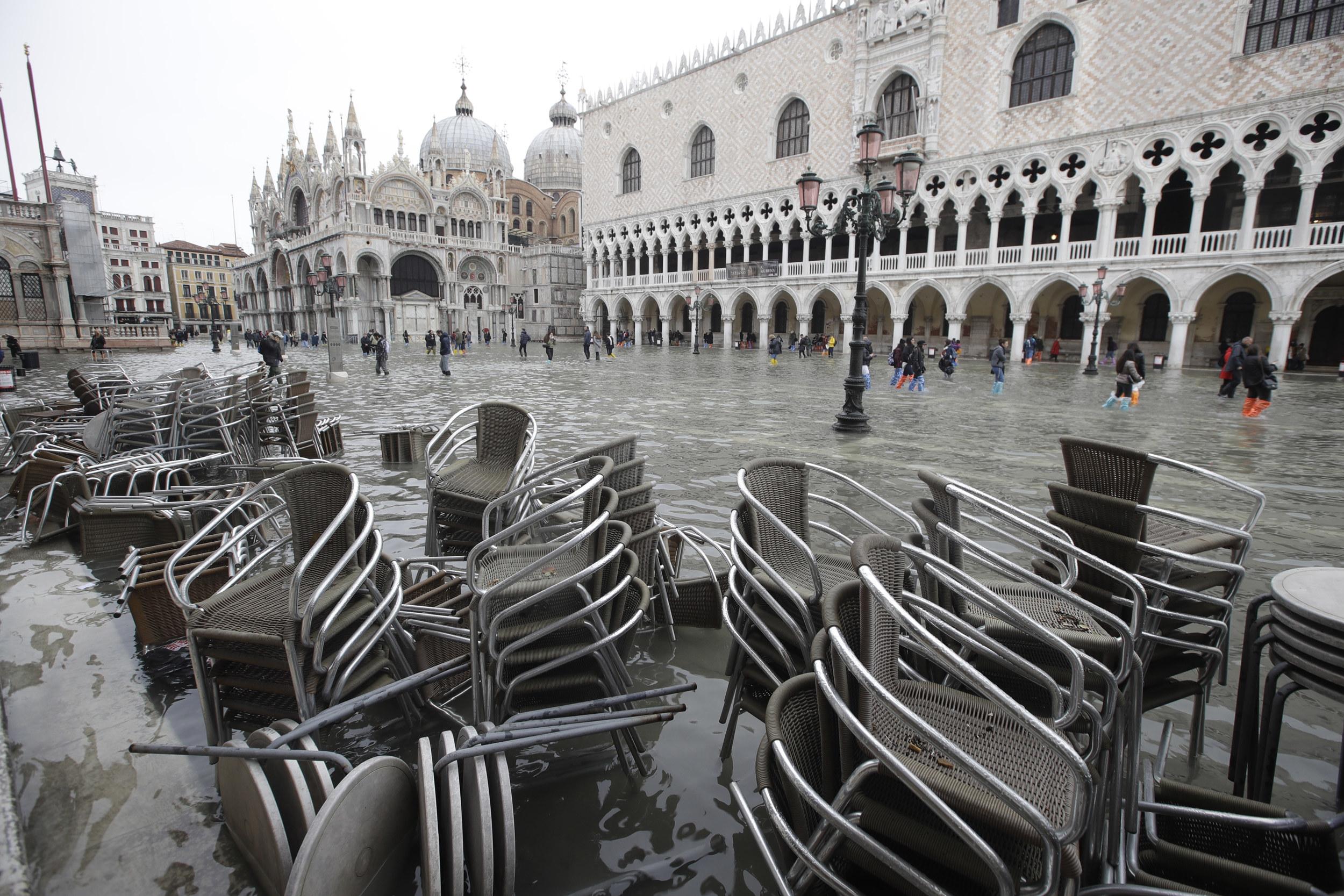 水没 ヴェネツィア 世界遺産ベネチア水没が深刻化。現在はモーゼ計画が行われているが…