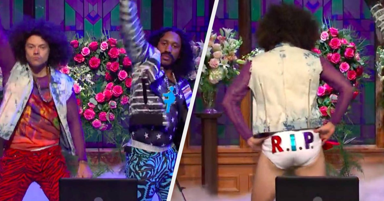 """Harry Styles Ripped Off His Pants And Revealed His Tighty-Whities On """"SNL"""" And I'm Dead - BuzzFeed"""