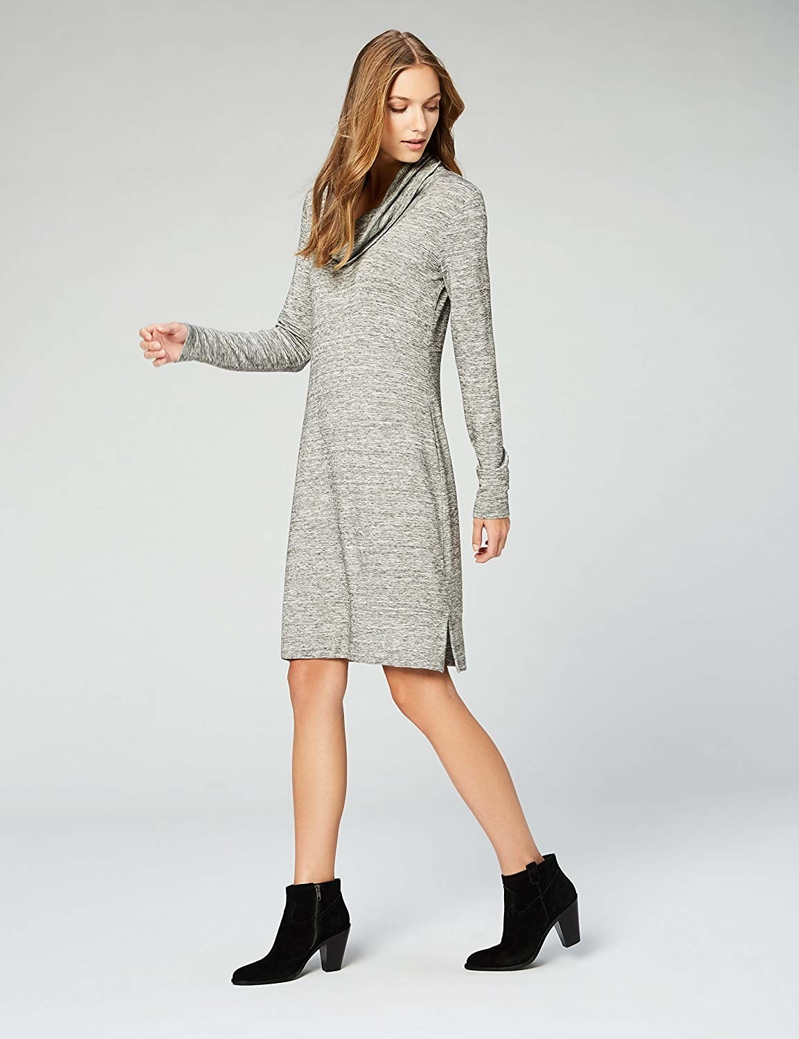 the dress in gray