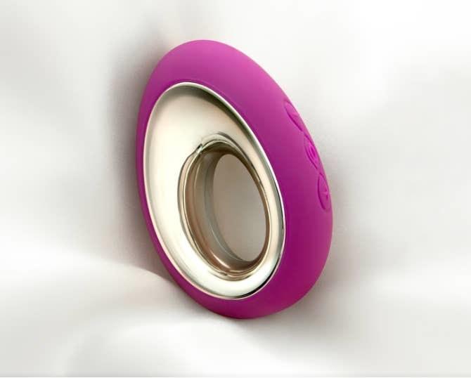 Dark pink Lelo Alia waterproof  vibe
