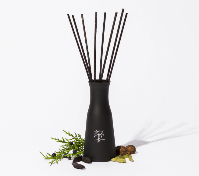 Black diffuser and reeds