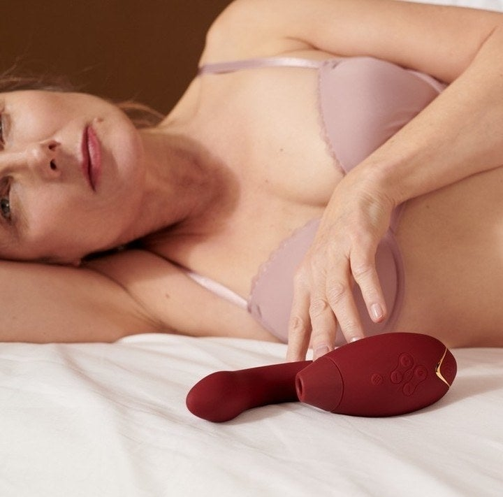 The vibrator with a clitoral-stimulating head and four control buttons